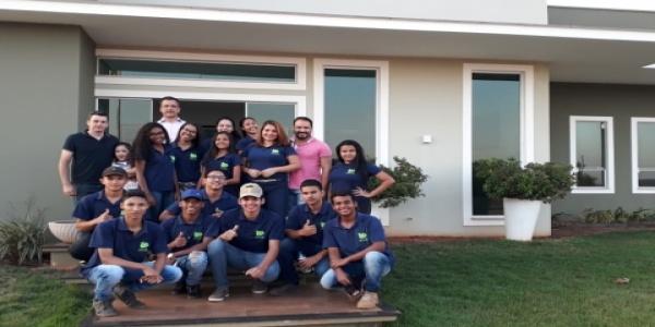 Fazenda Seis Amigos recebe visita de estudantes de Cuiabá